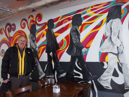 jimmy-robertson-at-the-beatles-cafe
